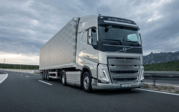 high-res-08A3977-FH-4x2-semi-trailer-long-haul-on-road
